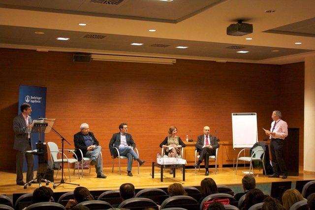 Un momento del debate en el congreso médico