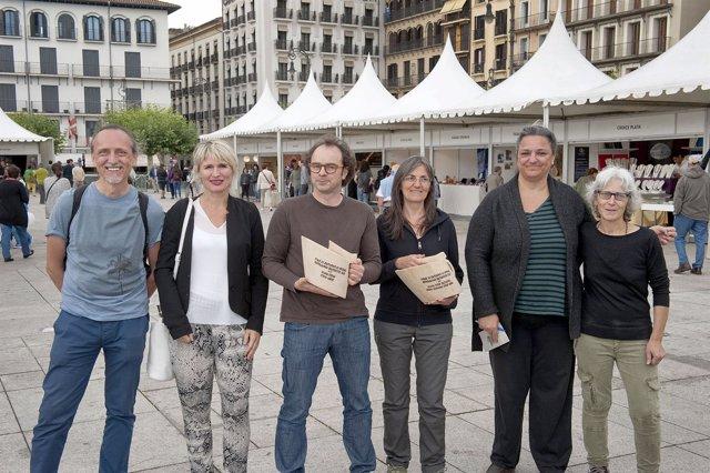 Miembros del jurado y premiados de la Feria de Artesanía