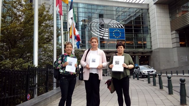 Fammiliares de los detenidos de Alsasua en el Parlamento Europeo