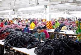 Trece compañías textiles, entre ellas Inditex, acuerdan mejorar la seguridad de las fábricas en Bangladesh