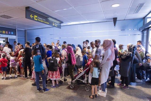 Llegan a España otros 184 refugiados sirios e iraquíes procedentes de Grecia