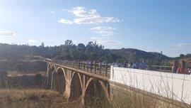 La Junta cede a Villarrasa un tramo de la A-493 y el Puente Gadea para el acceso a la futura vía verde