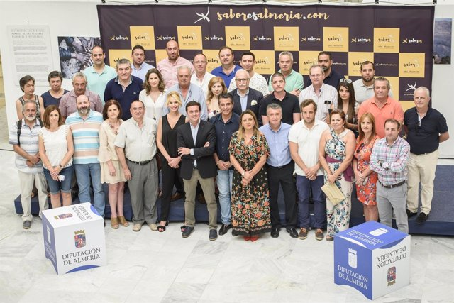 García y López Asensio han estado arropados por una treintena de empresarios.