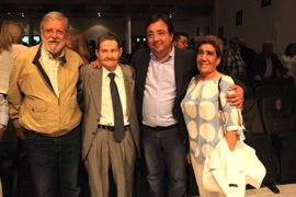 El PSOE de la provincia de Badajoz rinde homenaje a Manuel Olivera, exalcalde de Bienvenida durante 20 años
