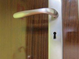 Detenido un joven cuando cambiaba la cerradura de una vivienda de Las Palmas de Gran Canaria que pensaba ocupar