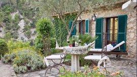 Baleares lidera las estancias en hoteles rurales y es segundo destino en apartamentos turísticos