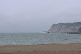 Las Arenas, única playa con bandera verde en Bizkaia