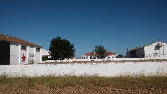 Finca de Somonte cuyo desalojo por la Guardia Civil denuncia el SAT