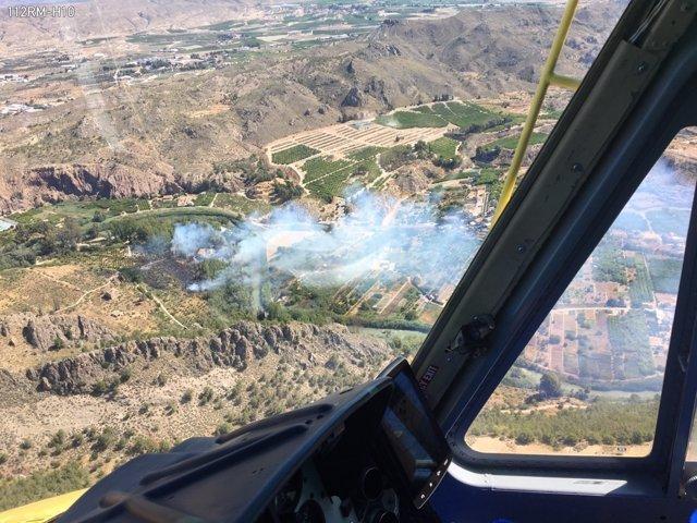 Incendio forestal en el paraje de El Menju en Cieza