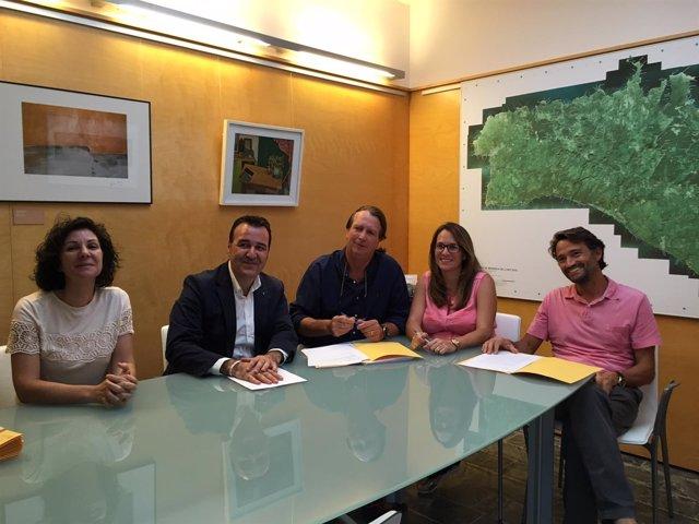 Empresas de alquiler de vehículos de Menorca firman código de buenas prácticas
