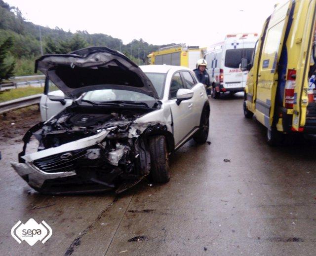 Uno de los coches implicados en el accidente.