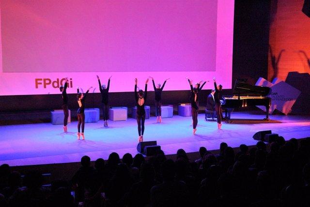 Espectáculo de danza en unas jornadas de la FPdGi