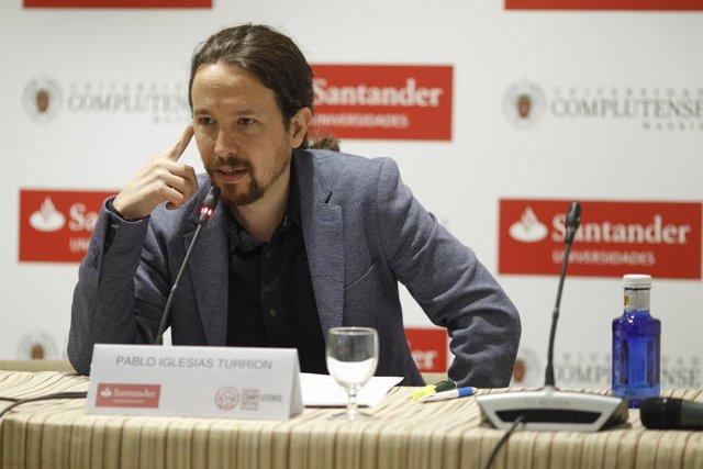 Pablo Iglesias participa en los cursos de verano de El Escorial