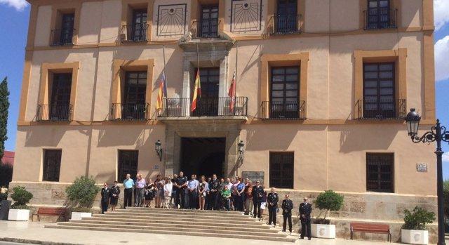 Concentración en el Ayuntamiento de Paterna