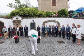 """El lehendakari insta a """"avanzar juntos"""" en autogobierno, paz y convivencia"""