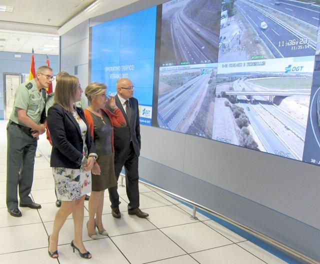 Salgueiro visita la sala de control de tráfico de Valladolid