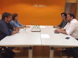 Domènech se reúne con Junqueras (ERC) para presentarle CatComú y hablar del 1-O