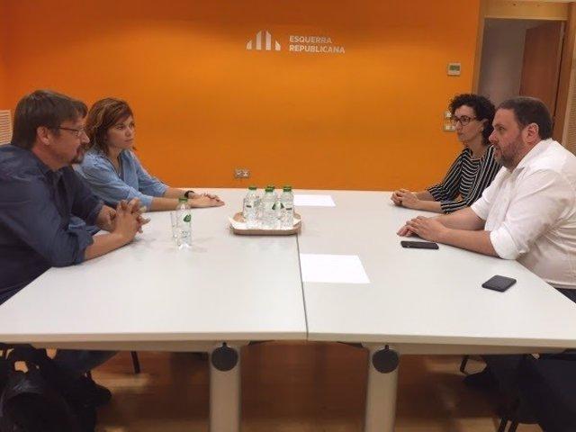 Xavier Domènech y Elisenda Alamany (Comuns), Oriol Junqueras y Marta Rovira (ERC
