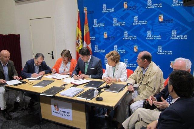 Palwncia: Quiñones y los alcaldes firman 'rehabilitare'