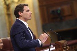 """Rivera dice a Rajoy que no pide bajar el IRPF para ganar una """"batalla contra el Gobierno"""", sino por """"justicia"""""""