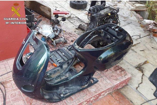 Los detenidos desguazaban los coches para vender las piezas