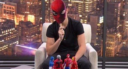 Spider-Man Homecoming: Tom Holland se venga de Thor (Chris Hemsworth) en este vídeo