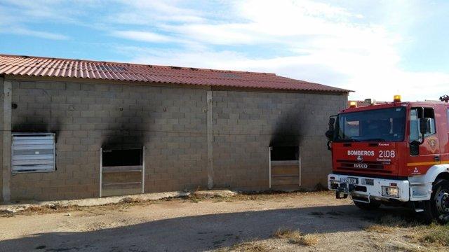 Arde una granja de pollos en Fuendetodos.