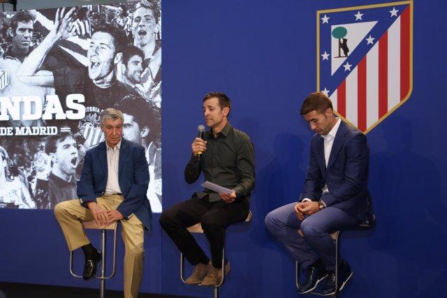 José Eulogio Gárate, Roberto Solozábal y Gabi en acto de Leyendas del Atlético