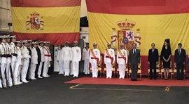 Beitia amadrina la entrega de Bandera de Combate al 'Castilla'