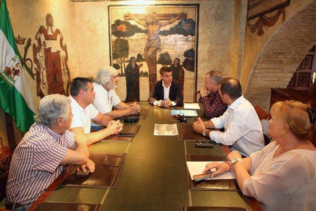 El alcalde de Marbella se reúne con una plataforma