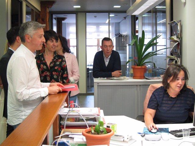 Ocón Presenta Avales Candidatura PSOE Riojano