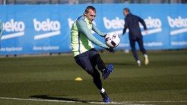 Mathieu entrenará a prueba en el Sporting de Portugal durante sus vacaciones