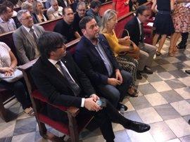 Moncloa acusa a Puigdemont de intentar utilizar a los ayuntamientos para eludir sus responsabilidades ante el referéndum