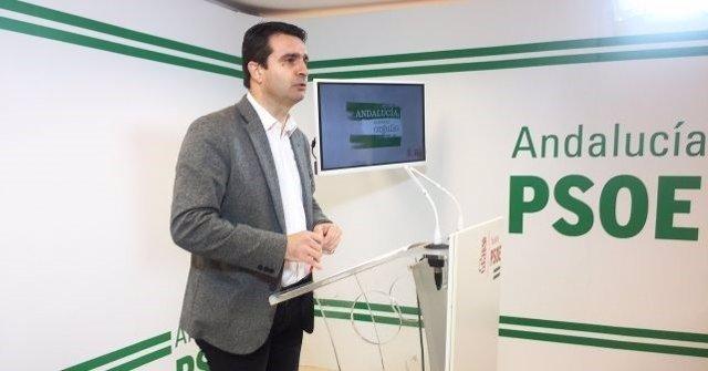 El senador onubense Amaro Huelva
