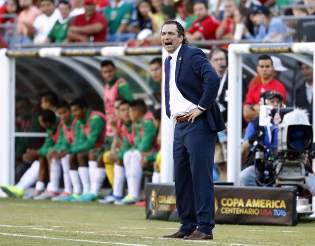 Juan Antonio Pizzi seleccionador Chile