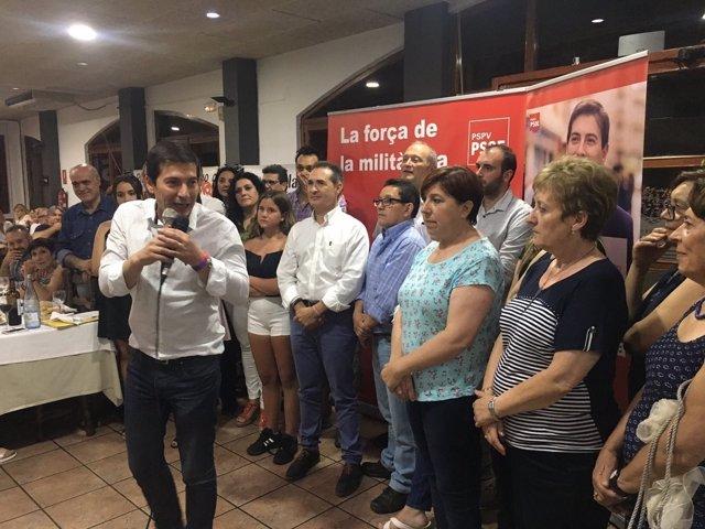 El socialista participó este viernes en un encuentro con militantes