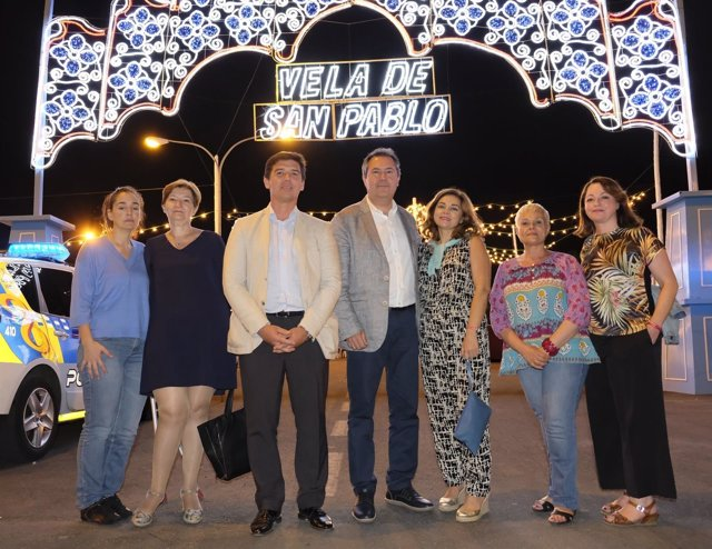 El alcalde de Sevilla, Juan Espadas, visita La Velá De San Pablo