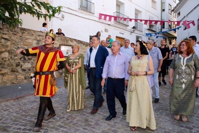 El 'president' ha visitado el mercado medieval