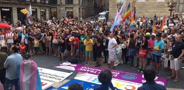 Manifestación por los 40 años de la marcha LGTBI en Barcelona