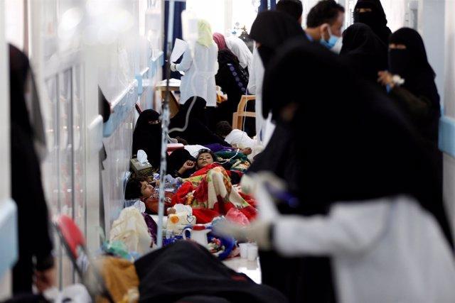 Enfermos de cólera en un hospital de Saná