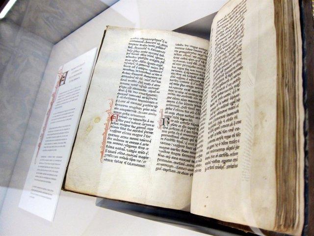 Salamanca.- La copia más antigua que se conserva de 'Chronicon mundi', en USAL