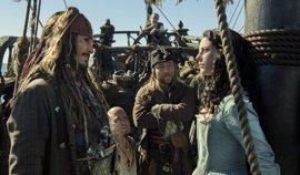 Disney elimina la subasta de mujeres de su atracción de Piratas del Caribe