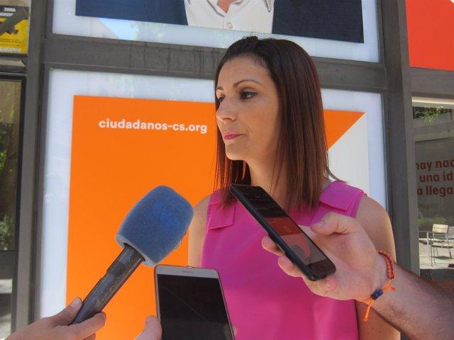 Lorena Roldán en la sede de cs de Barcelona