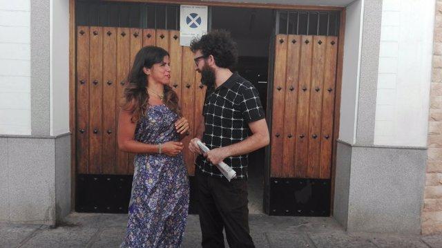 Rodríguez habla con el coordinador de Podemos en Córdoba, Jorge Hidalgo
