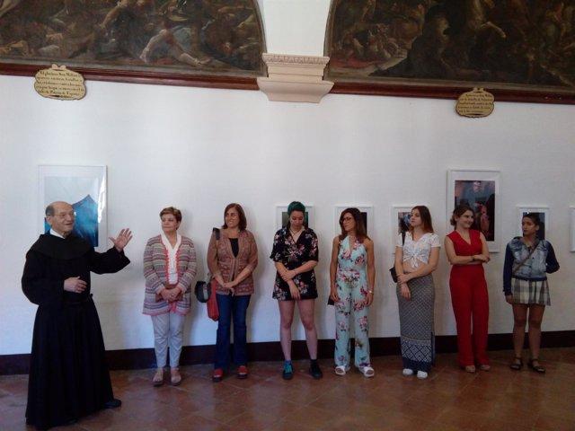 Visita a exposición jóvenes artistas en San Millán