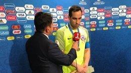 Claudio Bravo con la selección chilena