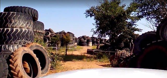 Vertedero neumáticos Argamasilla