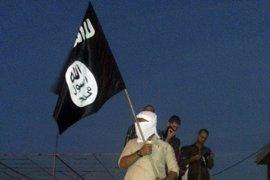 Irak confirma 14 muertos en un atentado de un suicida del Estado Islámico vestido de mujer en Anbar