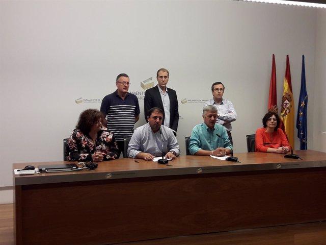 Koldo Martínez y Unai Hualde en rueda de prensa de Geroa Bai.
