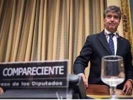 """Cosidó respalda que Zoido estudie prohibir móviles en su despacho y no ve """"ningún fundamento"""" en lo dicho por Villarejo"""